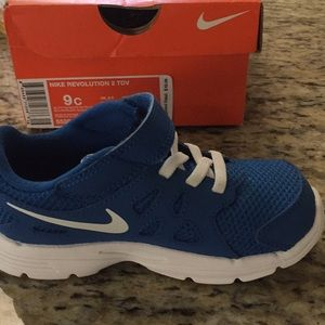 Nike Shoes - New 9C Nike Revolution Boys Sneakers